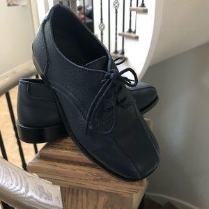 Boys dress shoes -navy blue